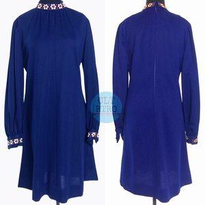 True 60s 70s vintage Shift Dress